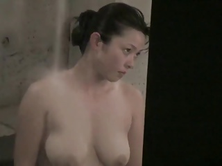 Asian Girl Open Bath With Gorgeous Tits - 1