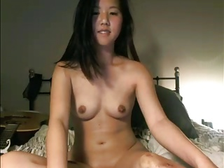 Asian Camgirl Cums with Wand 2